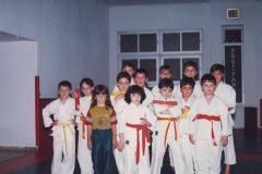 paso-de-grado-de-alumnos-de-karate-infantil-1989-1024x727