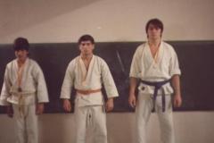 primeros-alumnos-de-karate-con-medalla-19801